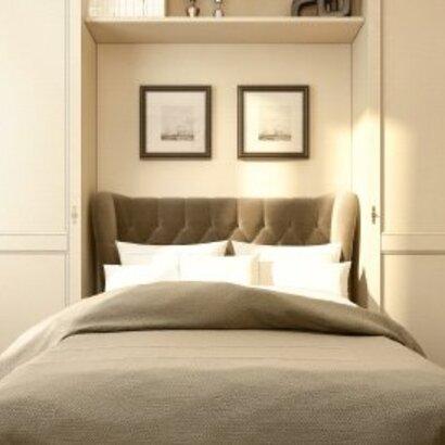В спальню